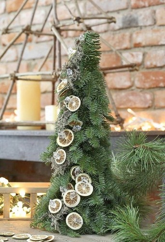 Beautiful Christmas Trees to Cheer Your Holidays simple design