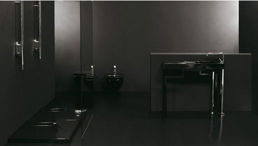 Bold Contemporary Interior Design Ideas: Black Bathroom