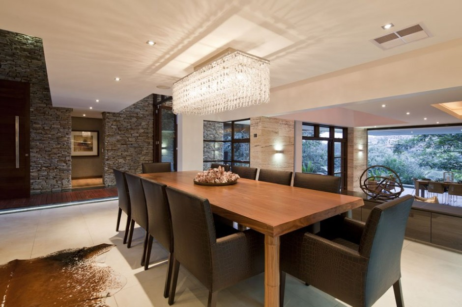 dinning area in a modern mansion