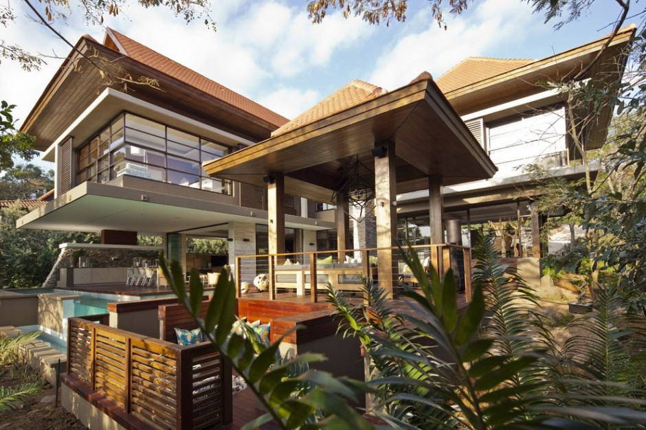 lateral perspective view Contemporary Moden South African SGNW House by Metropole Architects  (4)