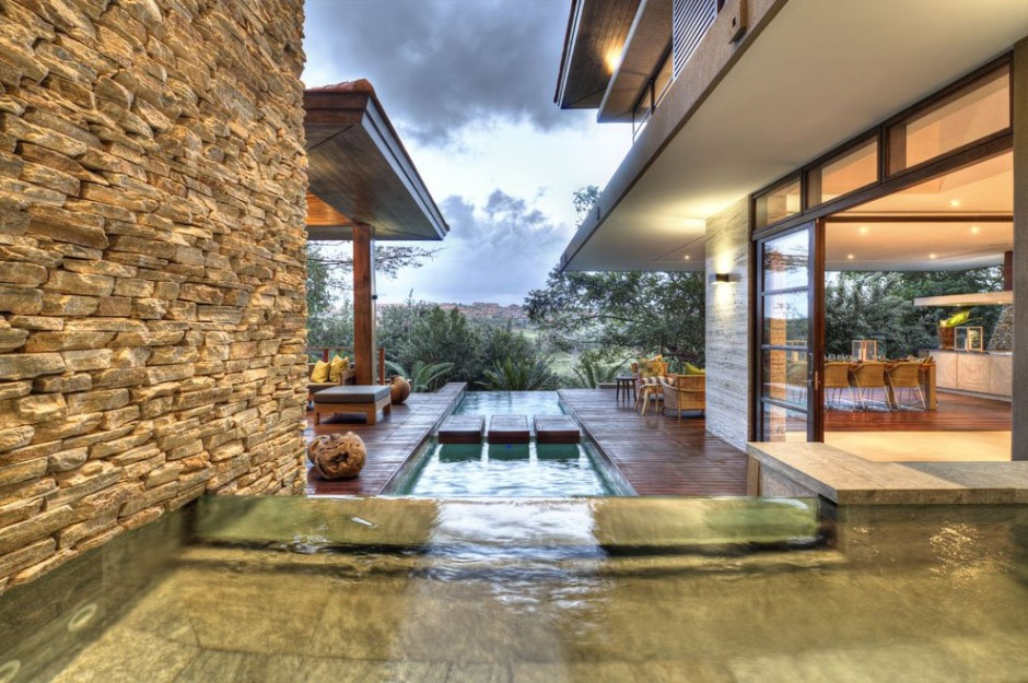 extraordinary details shot of the infinity pool of this modern mansion