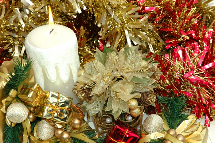 white gold and red Creative&Inspiring Modern Christmas Candles Decorations (1)