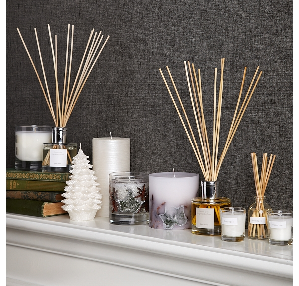 white grey and gold Creative&Inspiring Modern Christmas Candles Decorations (1)