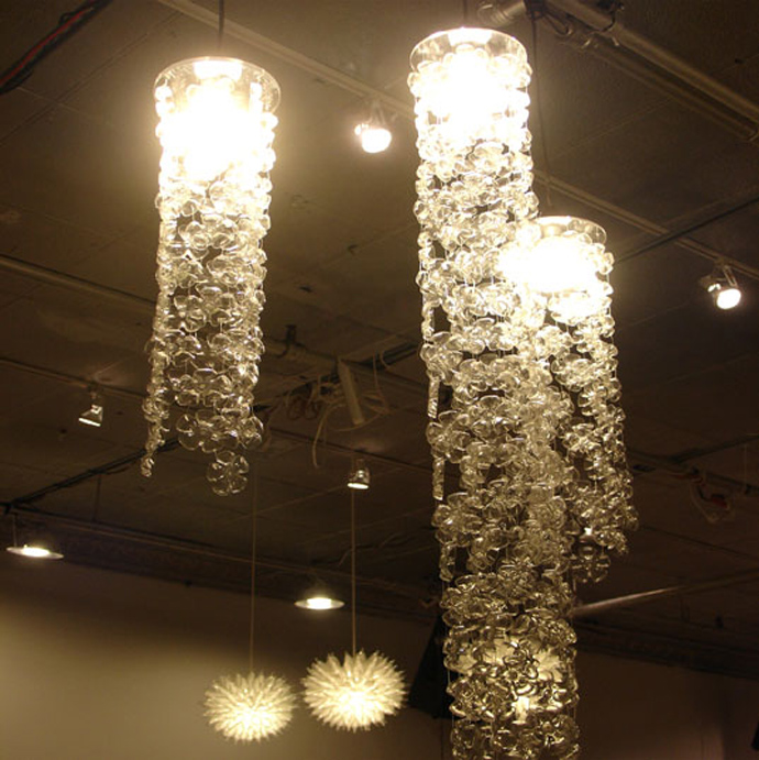 lighting made out of Creative & Inspiring Modern Ideas of How To Recycle Plastic Bottles  homesthtics (25)