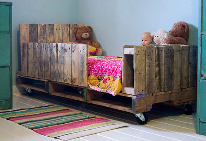 children bed Creative & Inspiring Modern Methods of How to Recycle Wooden Pallets homesthetics (1)