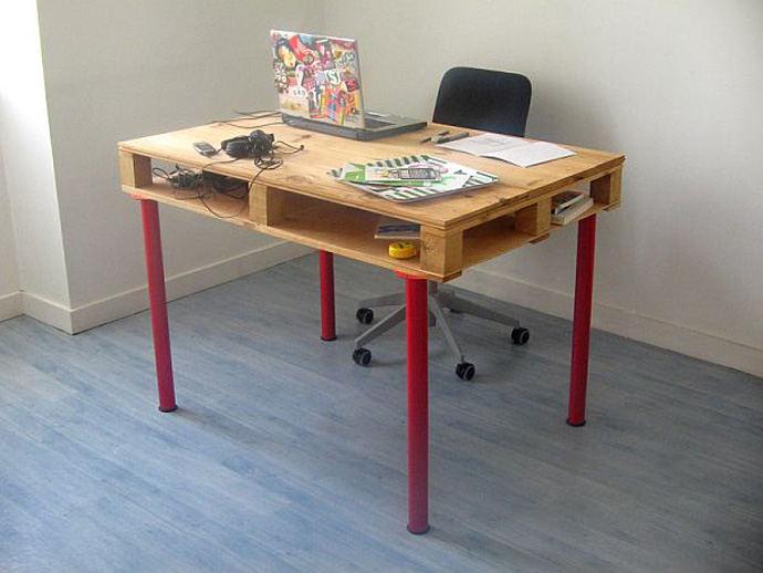 desk Creative & Inspiring Modern Methods of How to Recycle Wooden Pallets homesthetics (1)