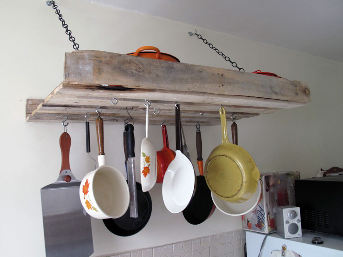 kitchen accessory Creative & Inspiring Modern Methods of How to Recycle Wooden Pallets homesthetics (1)
