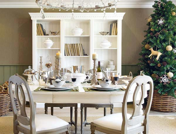 immaculate white Creative&Inspiring Christmas Dinner Tables Settings and Decoration Ideas for any modern interior design homesthetics (1)