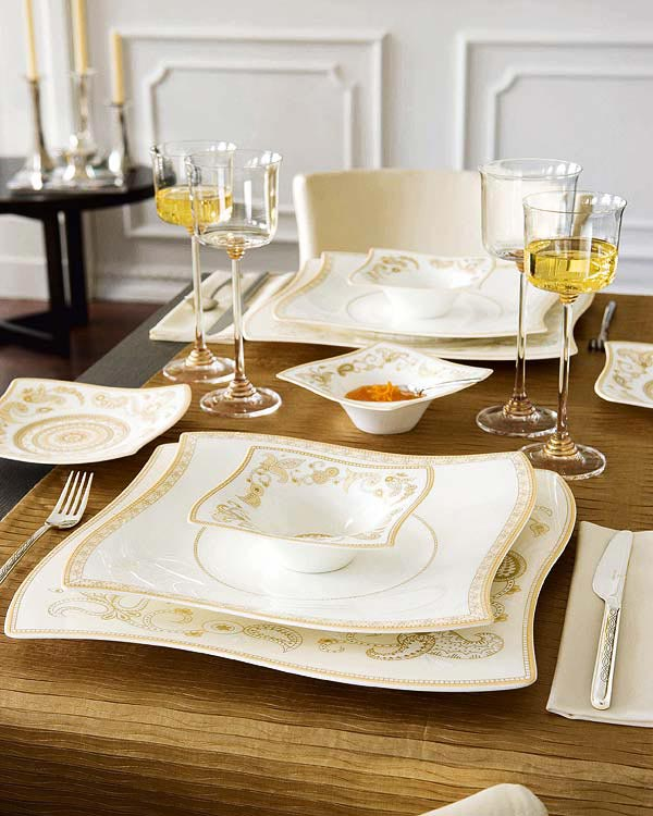 gold yellow Creative&Inspiring Christmas Dinner Tables Settings and Decoration Ideas for any modern interior design homesthetics (1)