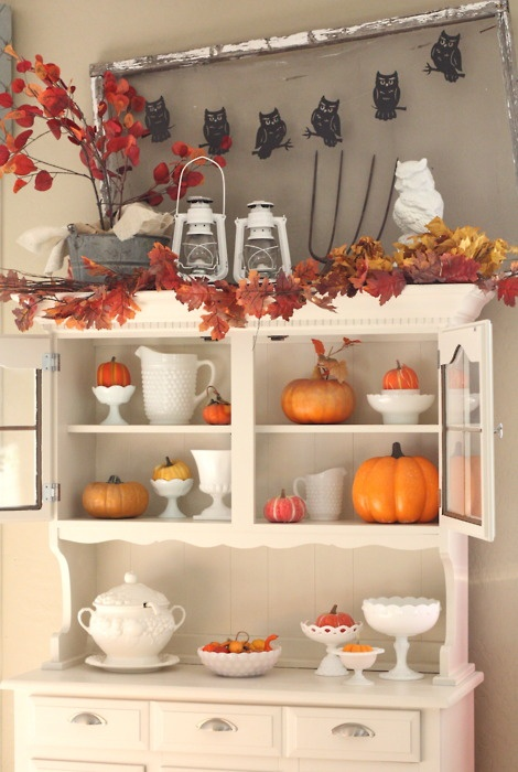 DIY  Welcome The Fall With Autumn Leaves In Home Décor