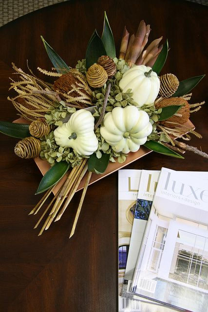 flowers and white pumpkins DIY -Welcome the Fall with Merry Decorations for Your Coffee Table  contemporary interior design ideas homesthetics (42)