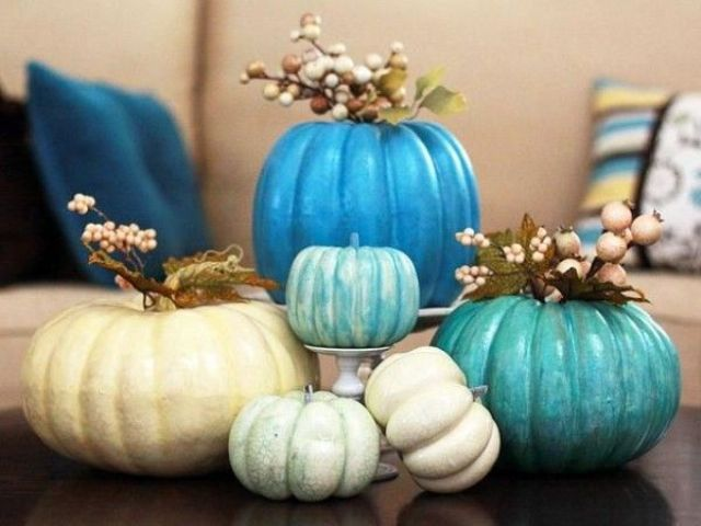 blue and white pumpkins DIY -Welcome the Fall with Merry Decorations for Your Coffee Table  contemporary interior design ideas homesthetics (42)