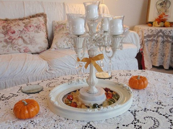 simple white design DIY -Welcome the Fall with Merry Decorations for Your Coffee Table  contemporary interior design ideas homesthetics (42)