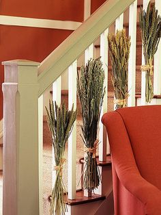 DIY -Welcome the Fall with Simple and Efficient Staircase Décor-homesthetics (3)