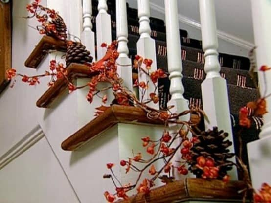DIY -Welcome the Fall with Simple and Efficient Staircase Décor-homesthetics (8)