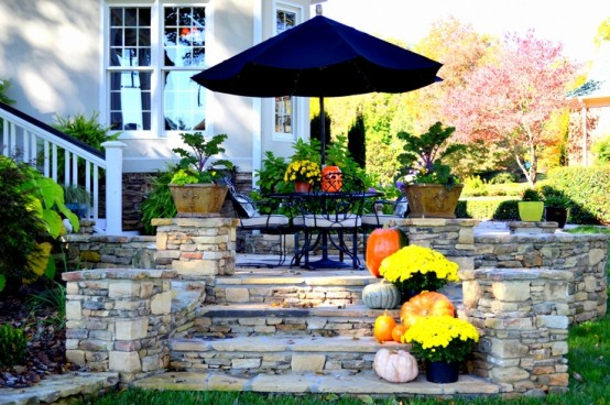 DIY -Welcome the Fall with Warm and Cozy Patio Decorating Ideas homesthetics (7)