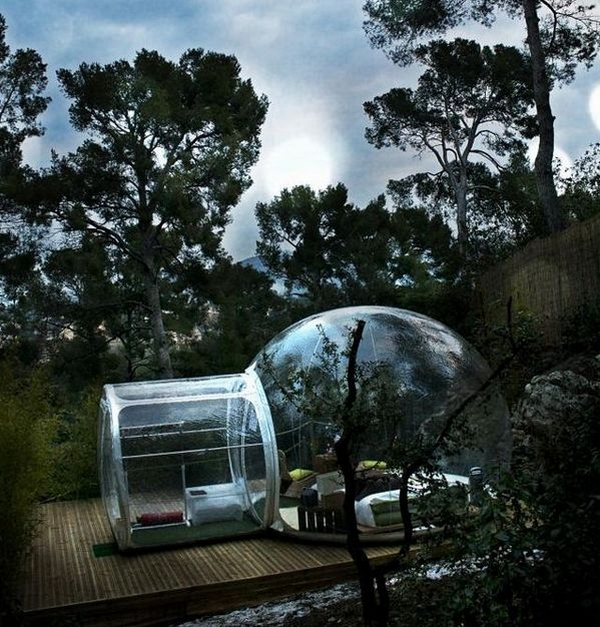 Experimental Living Bubble Room Hotel in France by Pierre Stéphane homesthetics design (1) at night