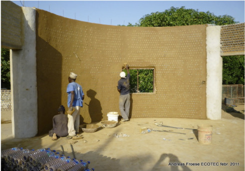 sustainable home of the Experimental Living- Sustainable Plastic Bottle House by D.A.R.E (1)