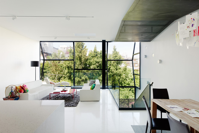 Flip-House-by-Fougeron-Architecture-in-San-FranciscoA-Different-Type-of-Renovation-open plan living room