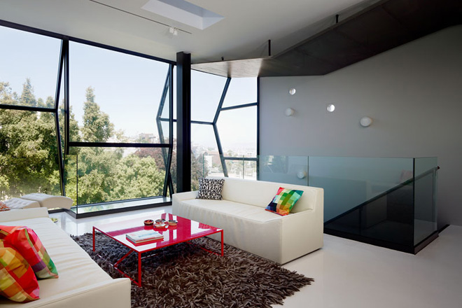 Flip-House-by-Fougeron-Architecture-in-San-FranciscoA-Different-Type-of-Renovation- glass wall