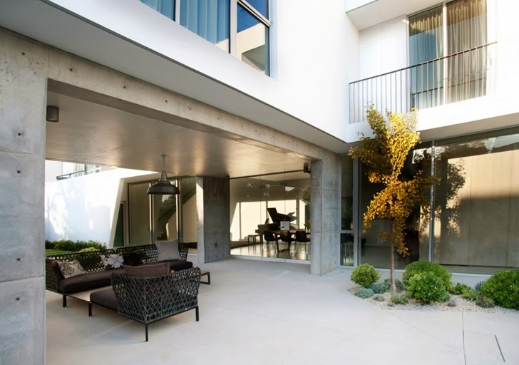 lounge area Luxurious Modern Family Home Located in Venice-California by Dennis Gibbens Architects homesthetics (21)