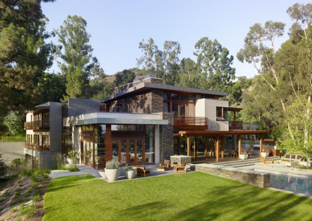 perspective view over the Luxurious Modern Mansion Design in California - Mandeville Canyon Residence in contemporary style using sustainable materials homesthetics (17)