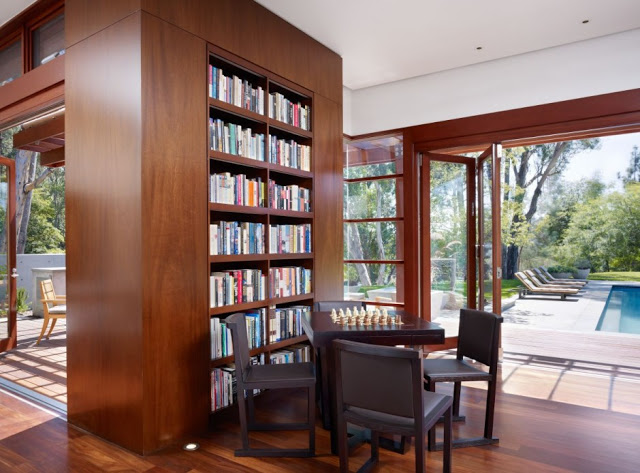 library Luxurious Modern Mansion Design in California - Mandeville Canyon Residence in contemporary style using sustainable materials homesthetics (1)