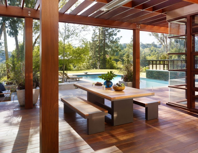 dinning terrace are Luxurious Modern Mansion Design in California - Mandeville Canyon Residence in contemporary style using sustainable materials homesthetics (1)
