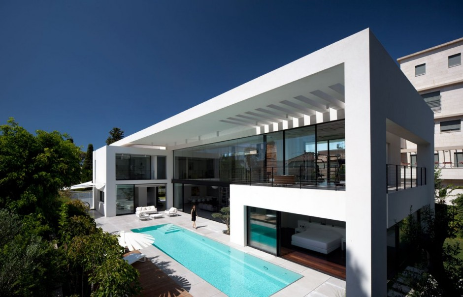 modern minimalist styled mansion the haifa house by pitsou kedem architects