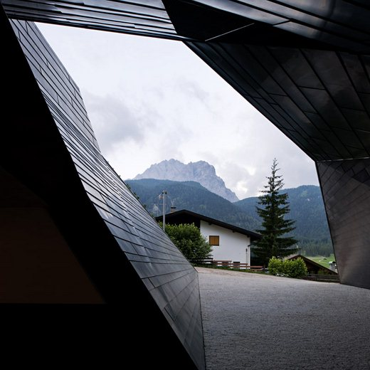 Modern Topographical Design-The Dolomitenblick in Italy by Plasma Studio Homesthetics