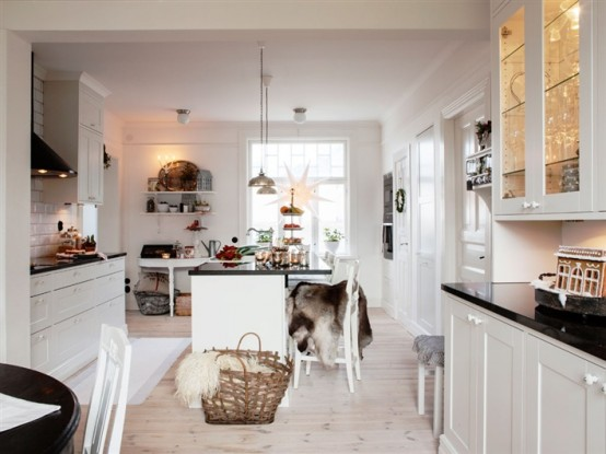 kitchen interior designRustic Scandinavian House in Black and White Expressing Coziness and Warmth homesthetics (14)