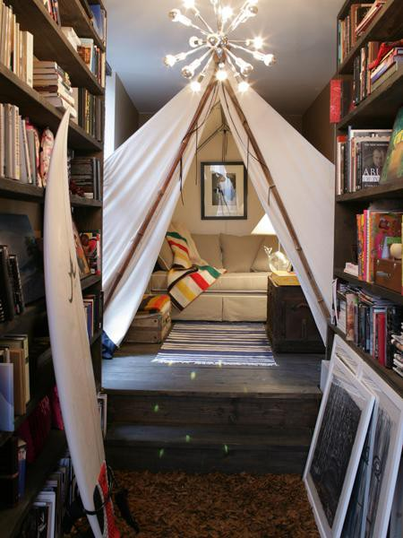 white tent Simple Bedroom Interior Design Ideas Featuring Play Tents for Kids to fit any modern home homesthetics (18)