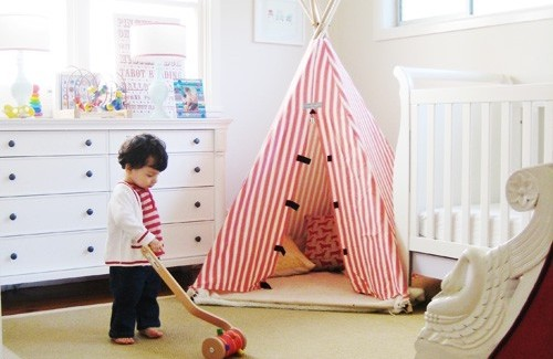 red and white stripped Simple Bedroom Interior Design Ideas Featuring Play Tents for Kids to fit any modern home homesthetics (18)