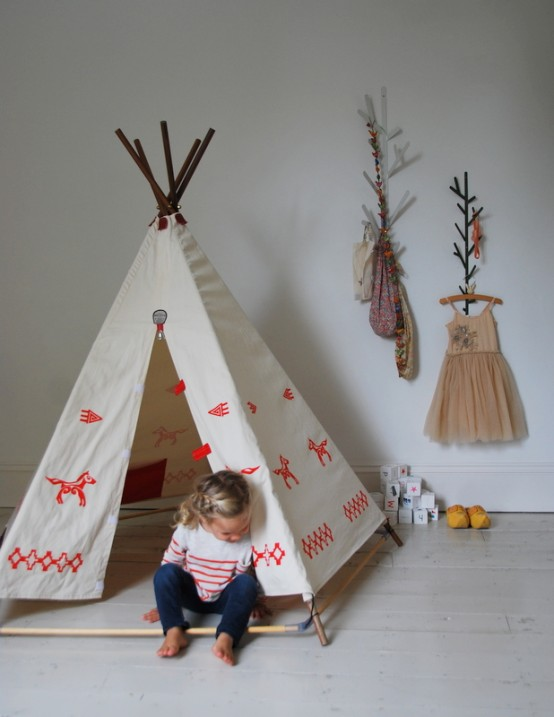 white and red Simple Bedroom Interior Design Ideas Featuring Play Tents for Kids to fit any modern home homesthetics (18)