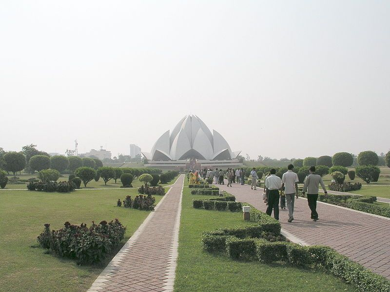 Stunning Floral Inspired Religious Building-The Lotus Temple in New Delhi, India Homesthetics