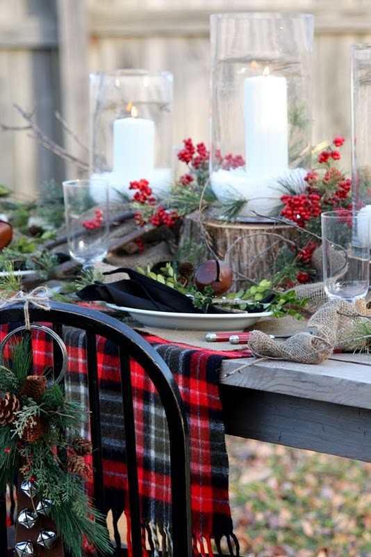 white red and green amazing Creative & Inspiring Modern Christmas Centerpieces Ideas homesthetics xmas (1)