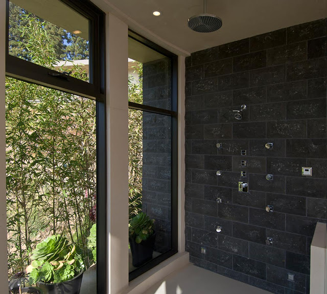 bathroom design blue jay way street Extraordinary Cliff View Modern Mansion Located on the Sunset Boulevard in Hollywood Hills homesthetics (2)