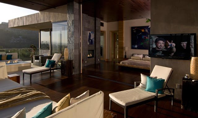 bedroom suite design blue jay way street Extraordinary Cliff View Modern Mansion Located on the Sunset Boulevard in Hollywood Hills homesthetics (19)