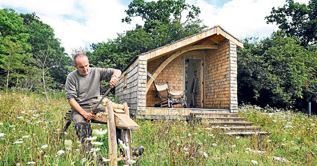 Experimental Living Self Sustainable Eco – Cabin in the Woods by Kevin McCloud