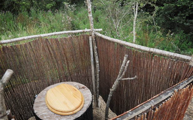 Experimental Living Self Sustainable Eco – Cabin in the Woods by Kevin McCloud kevin`s outside toilet