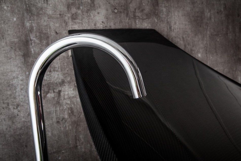 water tap perpendicular detail shot modern black hammock-bathtub-design-made-from-layers-of-carbon-fiber-by-Splinter-Works-sleek-bath-tub-floating-bath-tub-Homesthetics-1 (20)