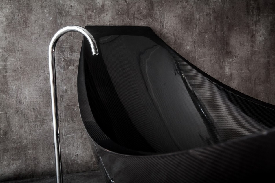 modern black hammock-bathtub-design-made-from-layers-of-carbon-fiber-by-Splinter-Works-sleek-bath-tub-floating-bath-tub-Homesthetics-1 (14)