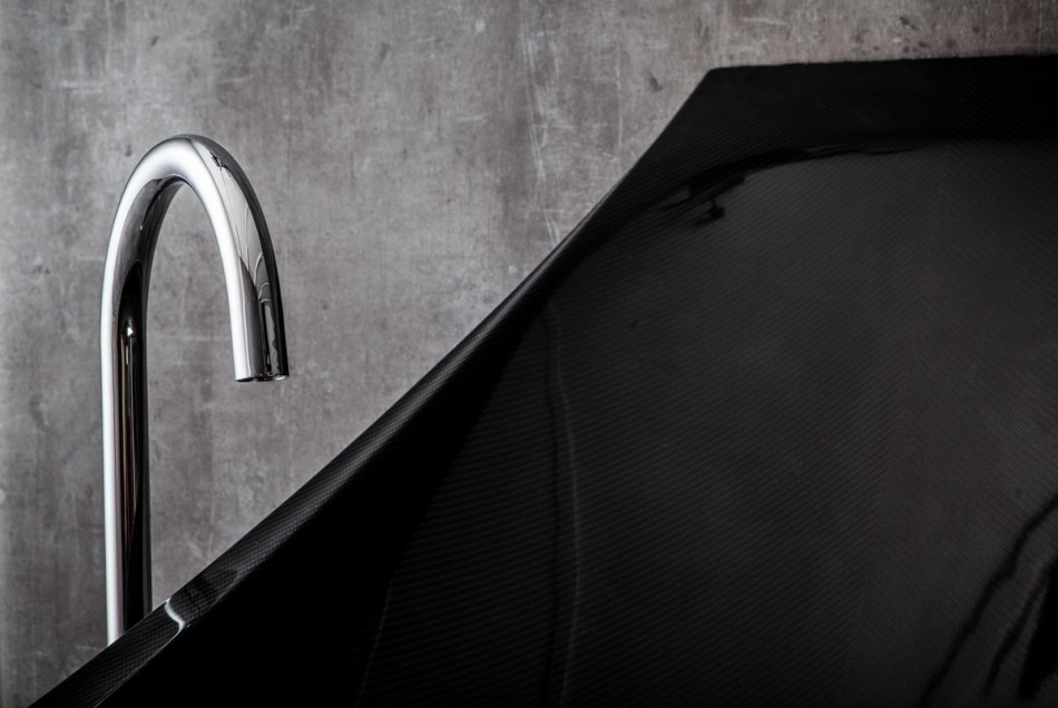 water tap detail shot modern black hammock-bathtub-design-made-from-layers-of-carbon-fiber-by-Splinter-Works-sleek-bath-tub-floating-bath-tub-Homesthetics-1 (20)