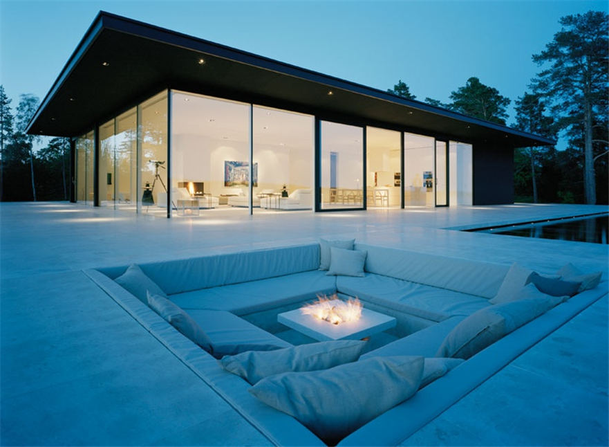 exterior minimalist white Centered Conversation Social Pit -Sunken Sitting Areas to Fit Your Modern Mansion