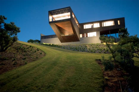 Cliff View Dream Home with Huge Cantilevers in Contemporary Style by ...