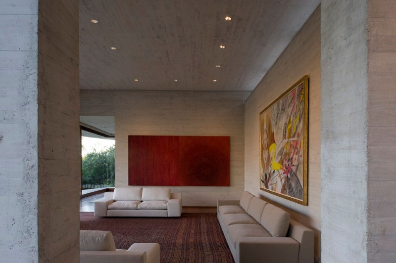living room interior design Cliff-View-Modern-Mansion-Lo-Curro-House-in-Chile-by-Peñafiel-Arquitectos-homesthetics