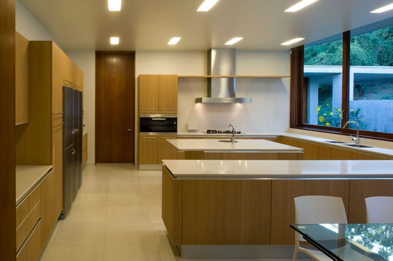 modern kitchen interior design Cliff-View-Modern-Mansion-Lo-Curro-House-in-Chile-by-Peñafiel-Arquitectos-homesthetics