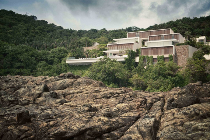 Cliff View Modern Mansions with Multiple Terraces Overlooking the Beach- Finestre Villas by CC Arquitectos
