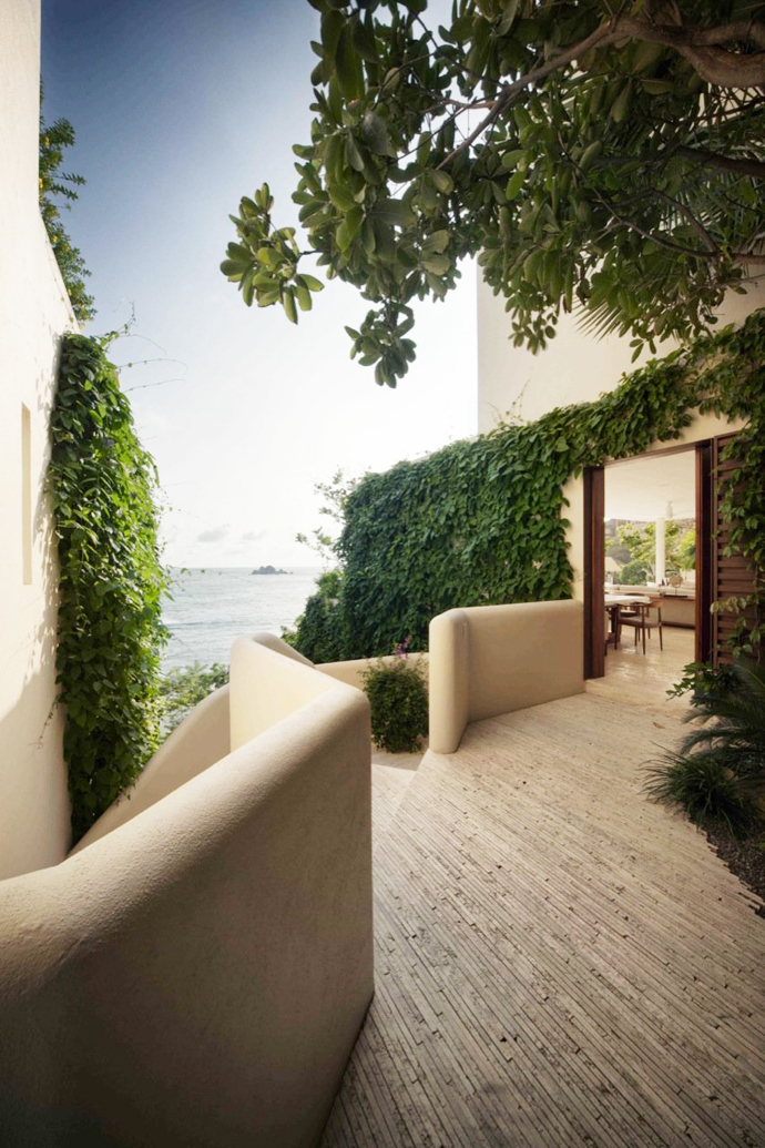 view in the Cliff View Modern Mansions with Multiple Terraces Overlooking the Beach- Finestre Villas by CC Arquitectos