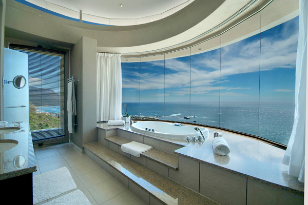 Clifton view luxurious mansion nettletonrd south africa for Best bathroom designs in south africa